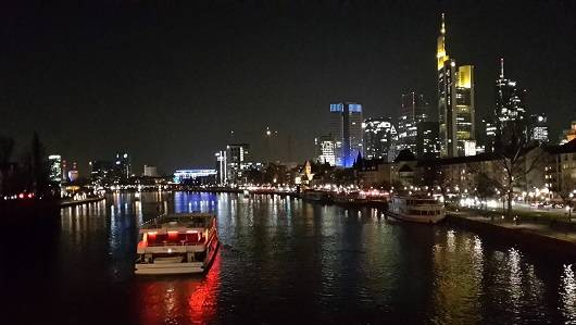 Frankfurt single party